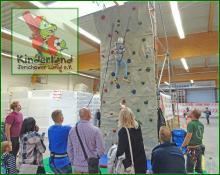 Kinderland Kletterwandeinsatz - megastarke Ferienlager und Abenteuercamps